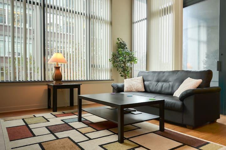 Luxurious Seattle Apartment