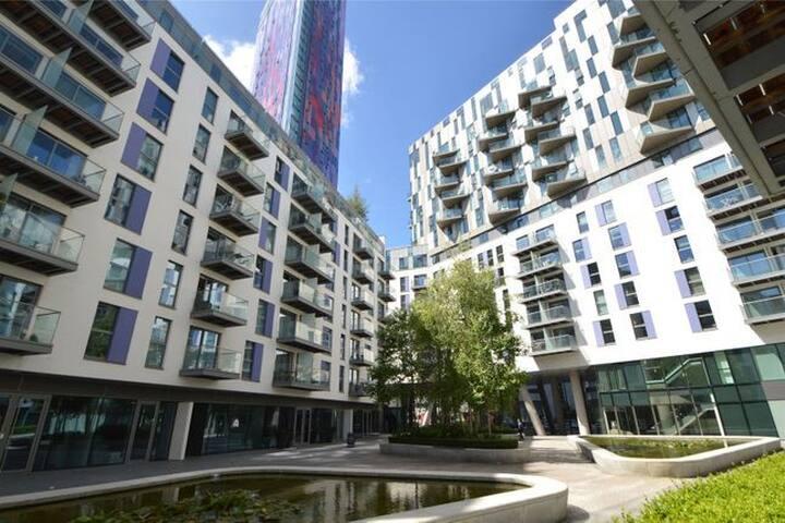 City Apartment, 15 Minutes to London Bridge