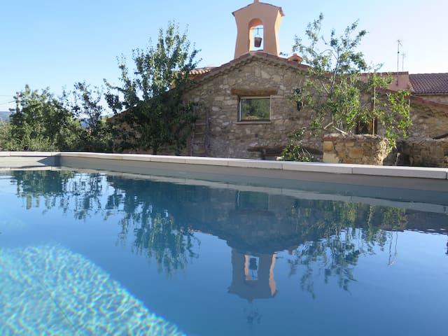 Casa Rural Completa con piscina cerca de Pedraza.