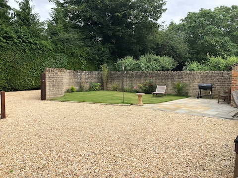 Delightful 3 bed-cottage with garden near Oxford