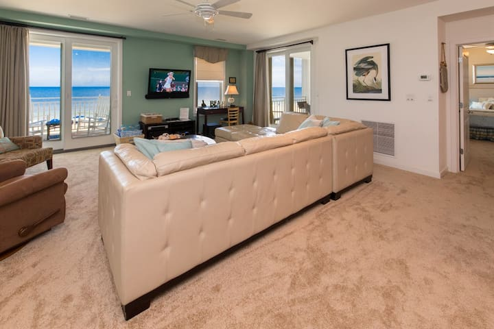 B210 Snorkster's Dream: You Will Find Sea and Sun At This Great Three Bedroom Oceanside Unit