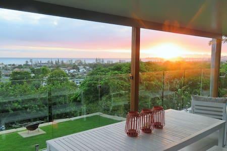 Amazing Panoramic Ocean Views + Fire Pit!! - Tugun