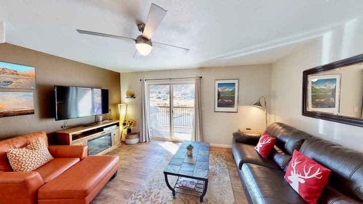 Red Cliffs Condos ~ 3E, 3 Bed Condo With Stunning Moab Rim Views, Outdoor Pool  - Red Cliff Condos ~ 3E