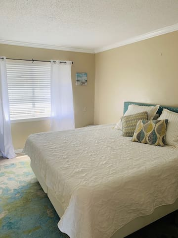 Affordable, close to the beach, sleeps 5