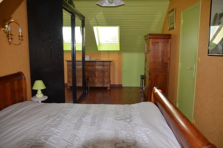 MAISON BLEUE - Chambre Verte