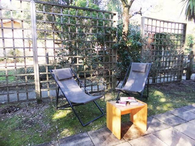 Rez-jardin plein de charme pour 1 séjour au calme