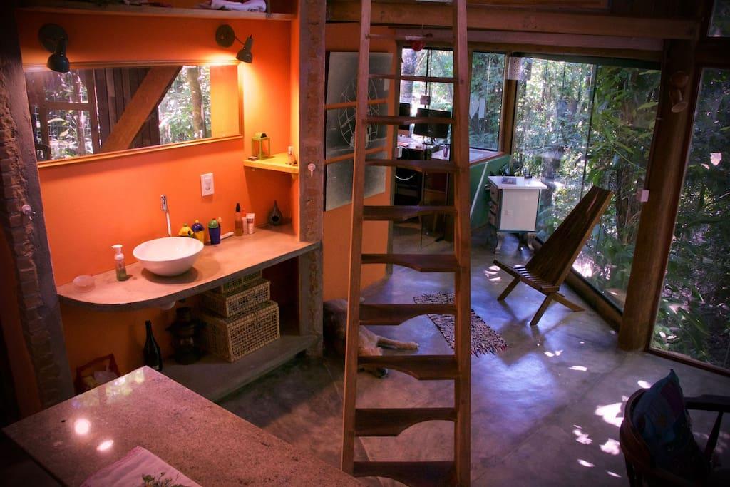 Área multi-propósito - cozinha/lavabo/copa/estar. (Open living / multi purpose area)