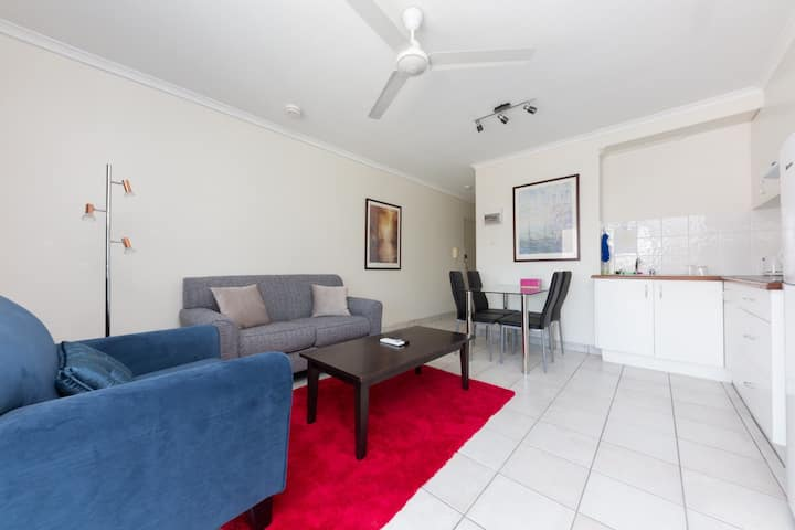 Comfortable Darwin Apartment.(free wifi & Netflix)