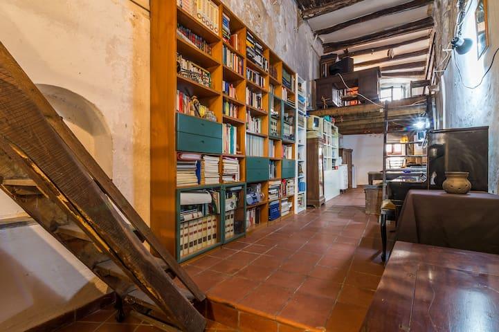 original apartment in the old town - Cagliari - Lejlighed