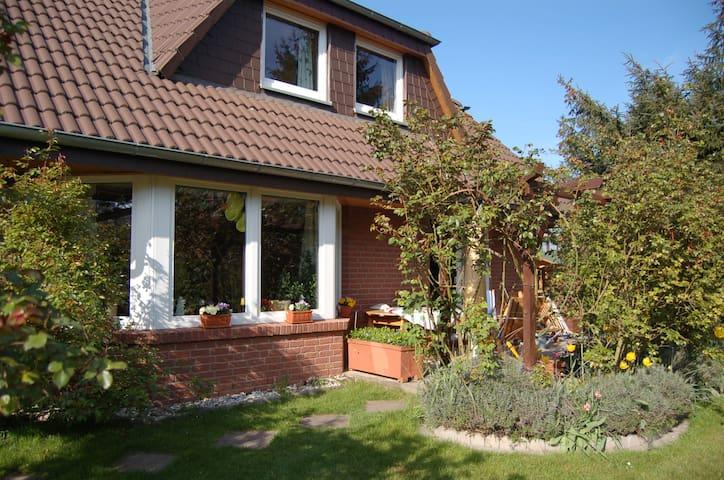 Haus mit Garten Messenähe