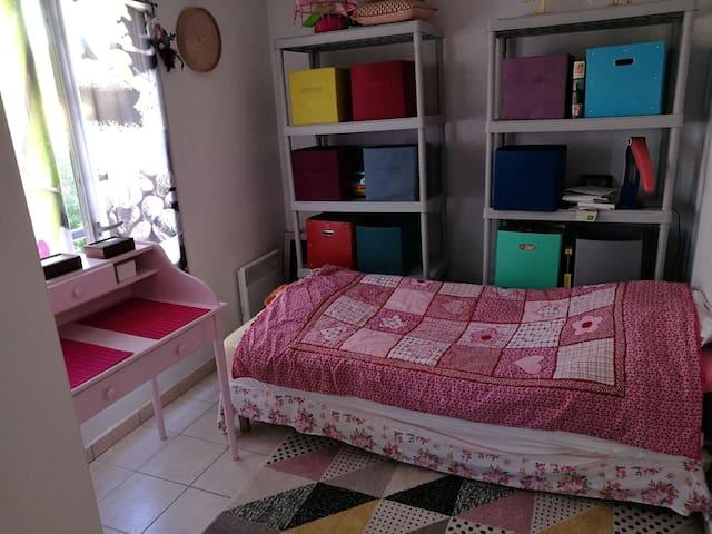 chambre simple à 10min du centre