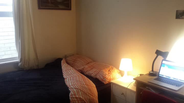 Private room in Brunswick (Short term only)