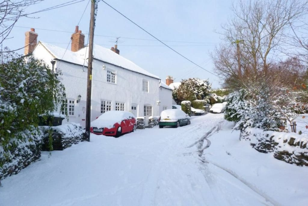 The cottage in the snow