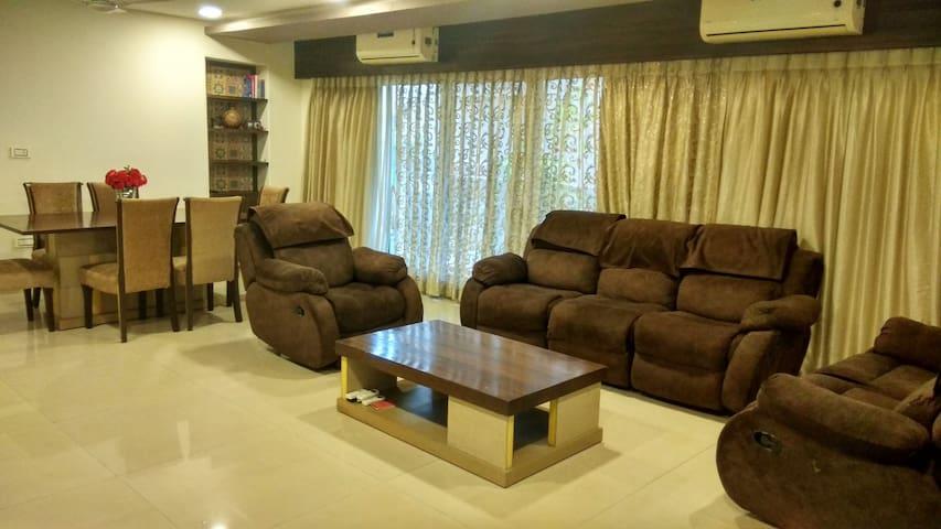 Master Suite at Juhu