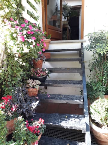 House 5 minutes from  A1 motorway, 45 f Florence