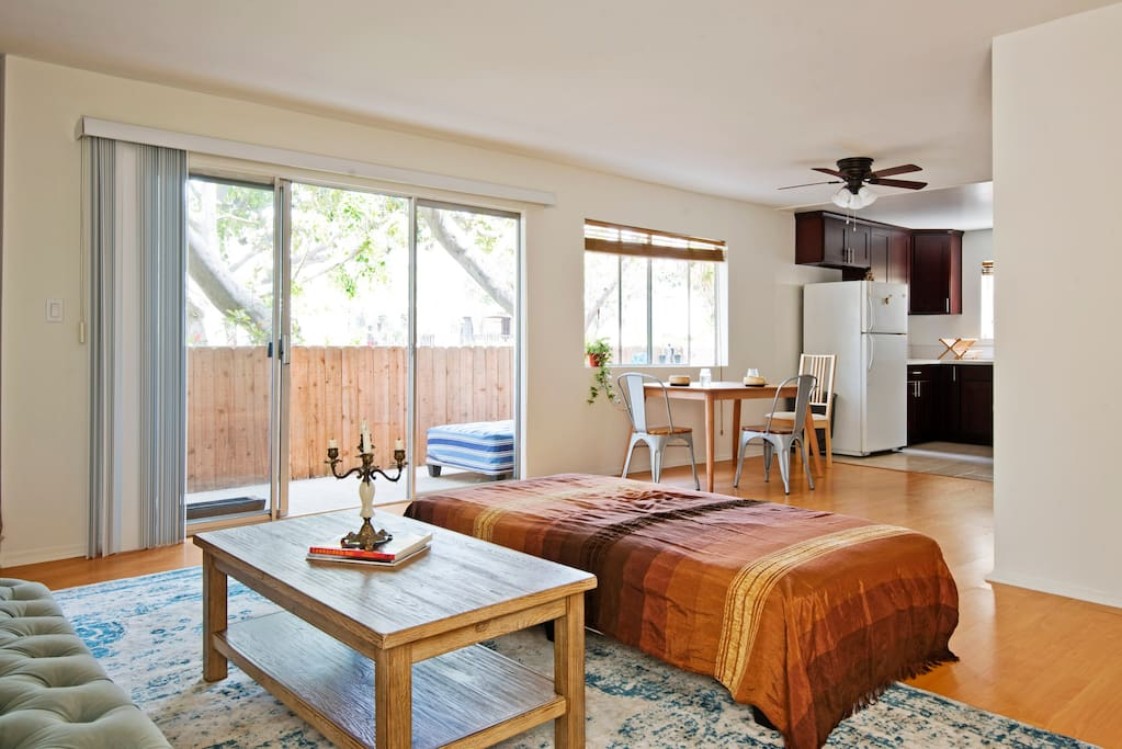 Sun Filled Eco Conscious Home Newly Renovated Apartments For Rent In Santa Monica