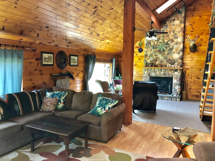 Cabin Home at Rose Valley Lake