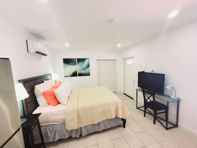 LA CASITA! Your Own Lil House in Miami.