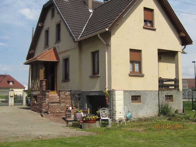 Appartement dans maison individuelle