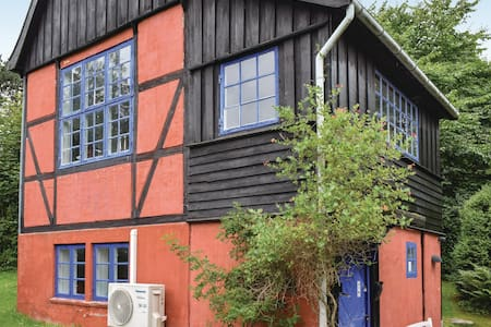 Holiday cottage with 1 bedroom on 82m² in Tisvildeleje