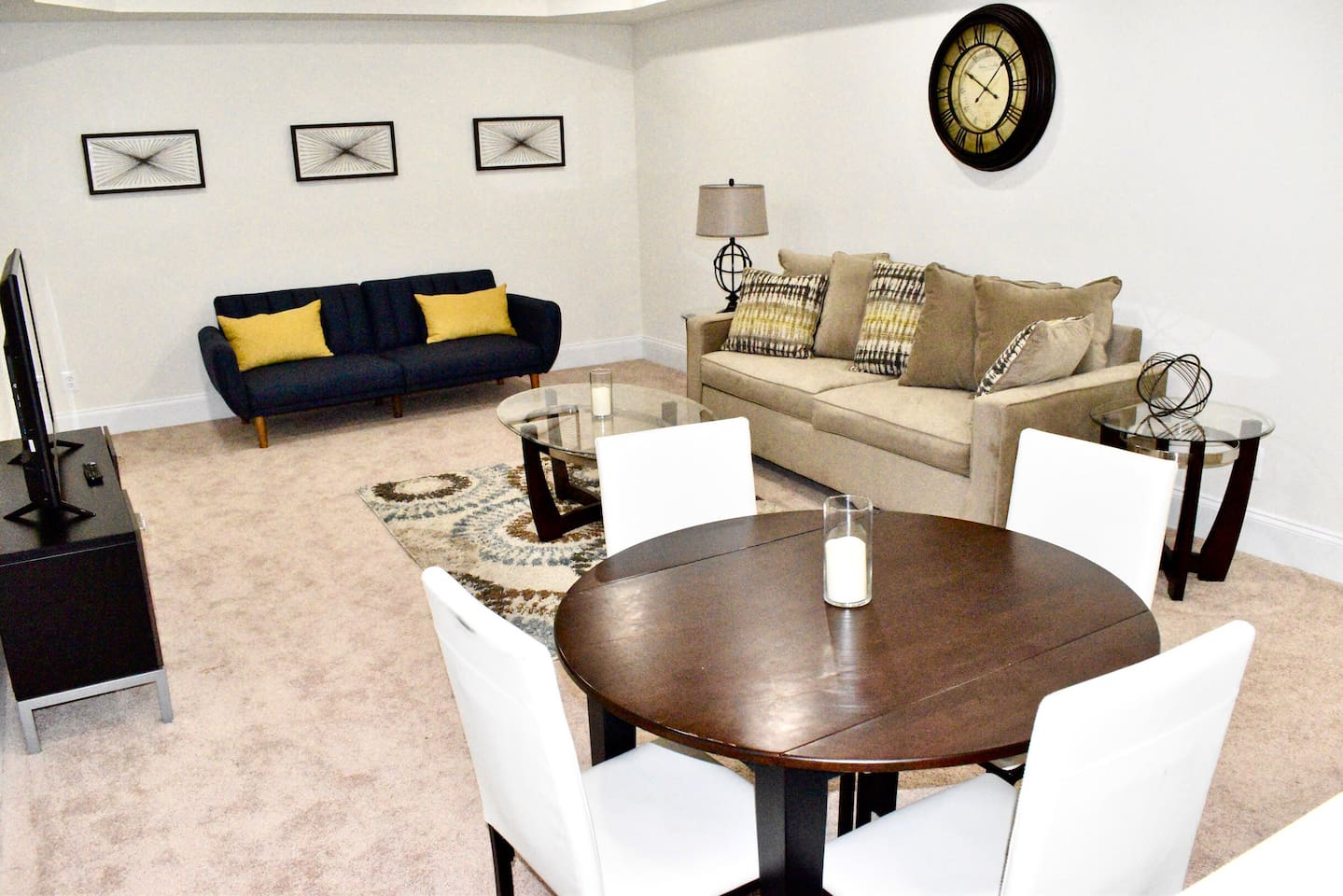 Living room area with futon