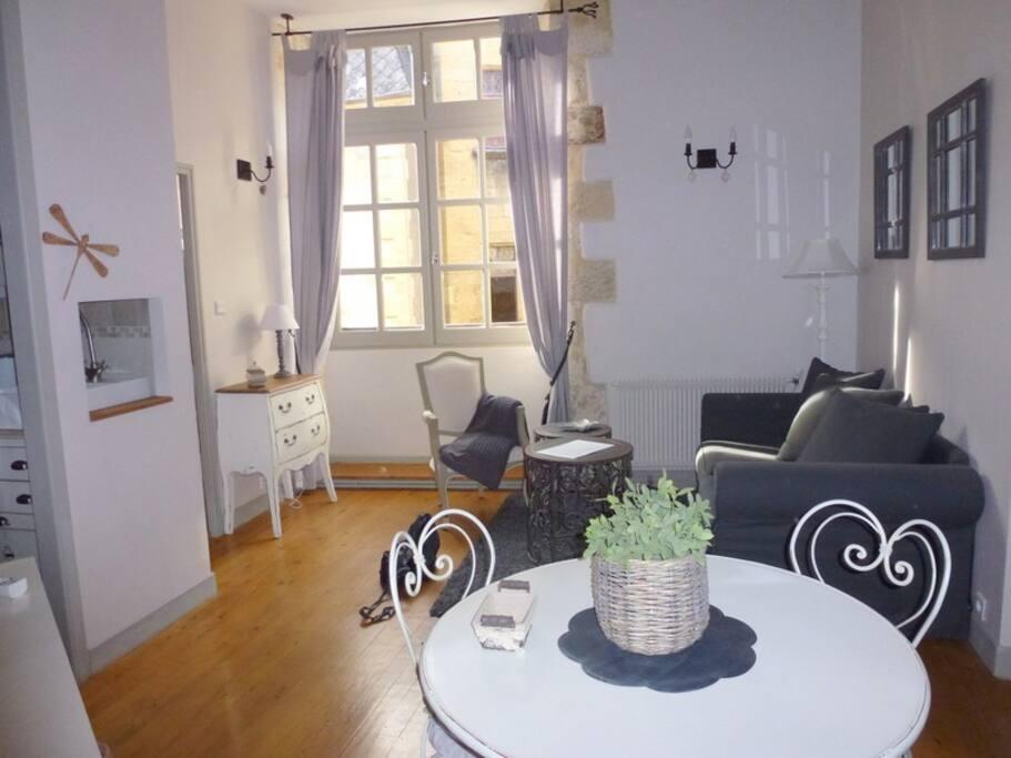 """Appartement """"Lauze"""", harmonie de blanc et de gris"""