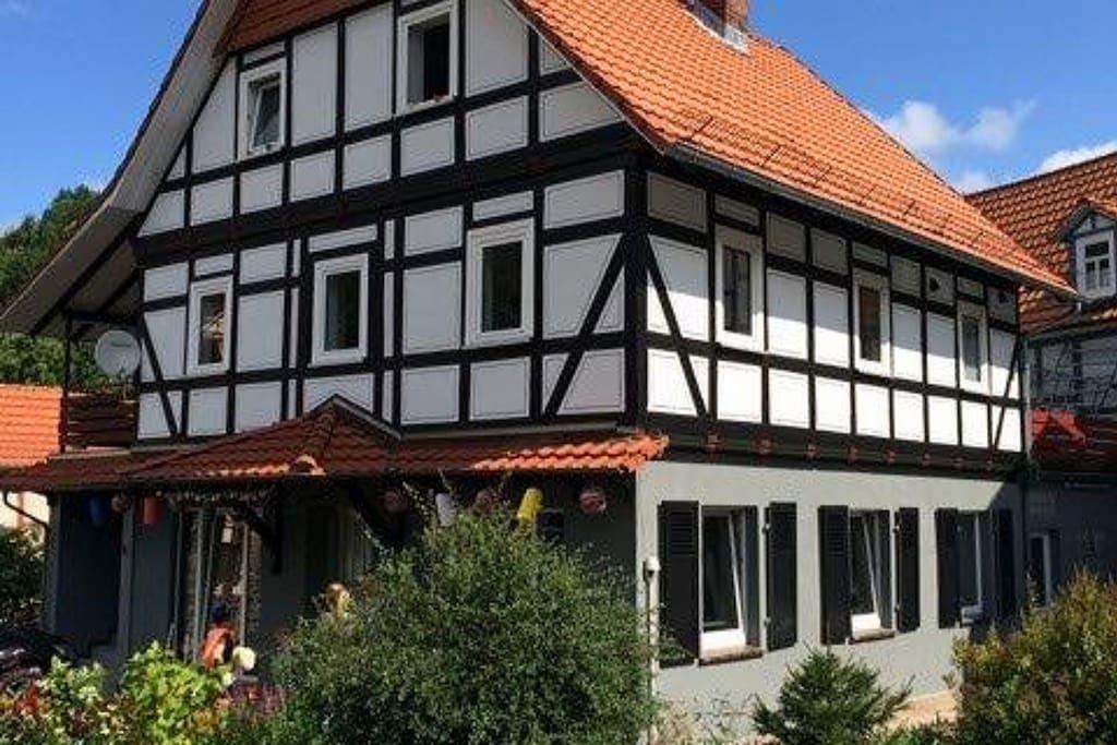 maison de vacances tout confort ind pendante et agr able avec terrasse priv e sur le toit. Black Bedroom Furniture Sets. Home Design Ideas