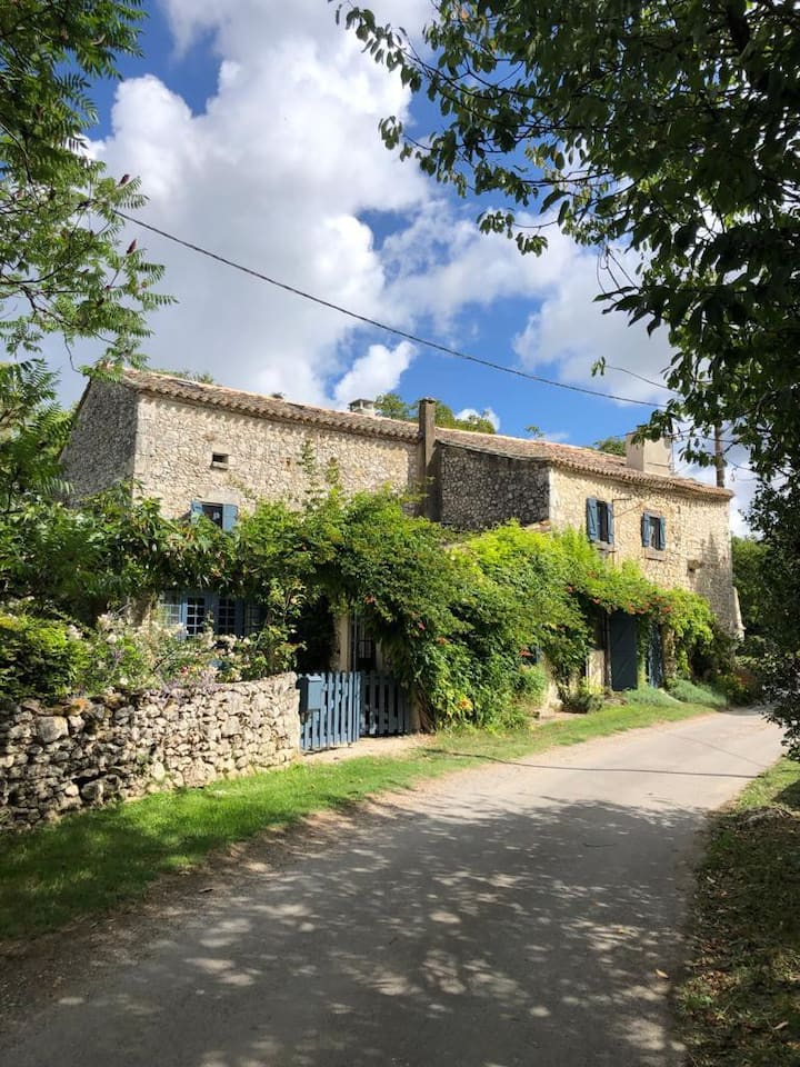 Charming home, calm and spacious, near Bergerac