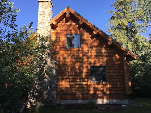 Beautiful log home in Teton Valley sleeps 8 - Tetonia - House