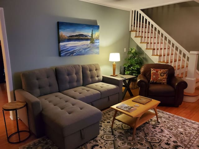 Quiet Bayview 3 Bedroom Gem