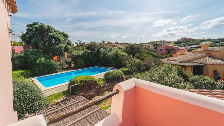 Fantastic Villa Picasso B with Pool, Air Conditioning, Wi-Fi & Terrace