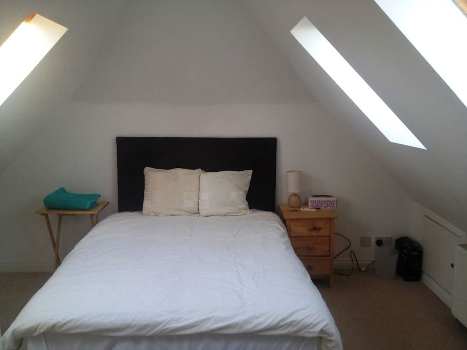 The cosy double room with velux window