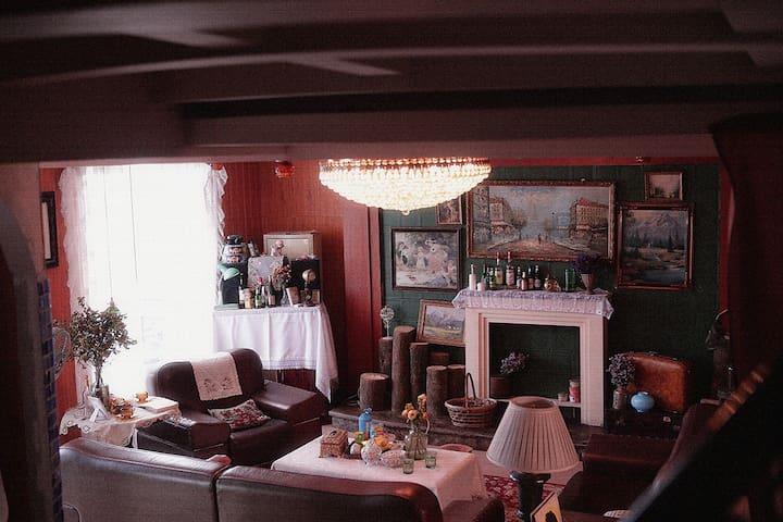 贰拾柒重庆美式复古特色loft带浴缸花园房解放碑洪崖洞万达附近