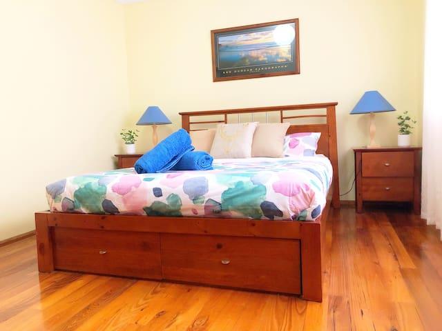 Main Bedroom - comfortable queen bed