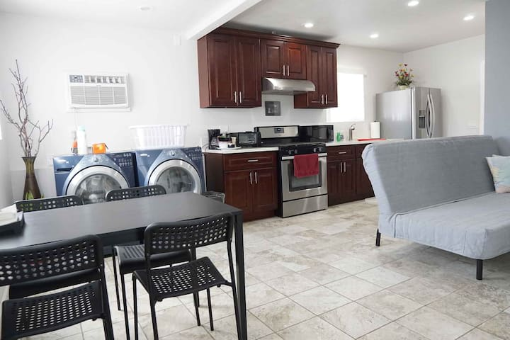 ❤ Sanitized - 1BR/1BA Guest House - No Airbnb Fees