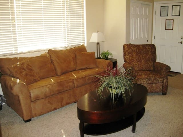 *NO GUEST SERVICE FEE* 2 Bedroom condo in Mesquite #378