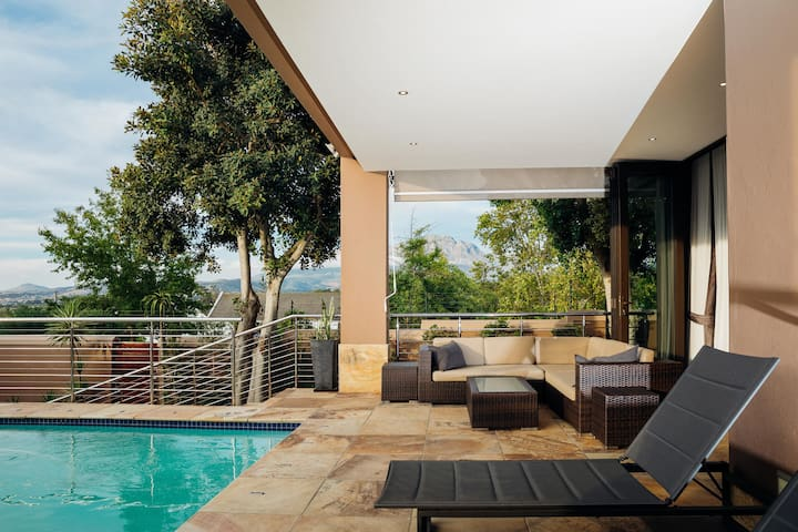 BIG LUXURY VILLA STELLENBOSCH - Mountain View