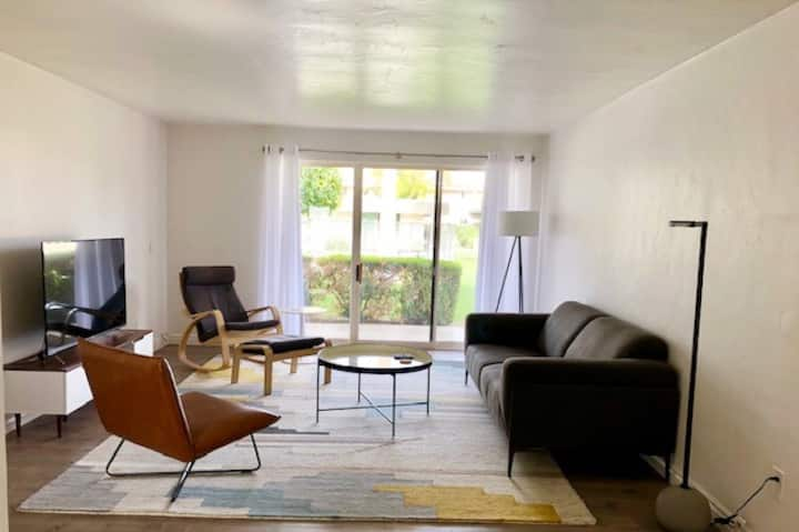 Clean, Modern and Centrally Located