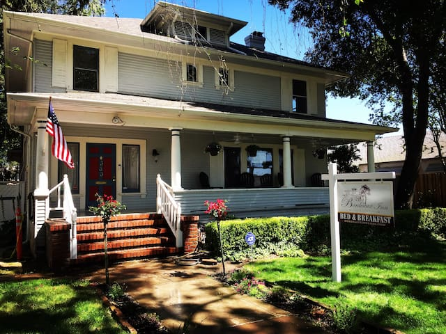 Charming Foursquare style house built in 1907.