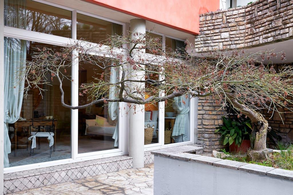 L'ingresso esclusivo per gli ospiti della suite Lavanda