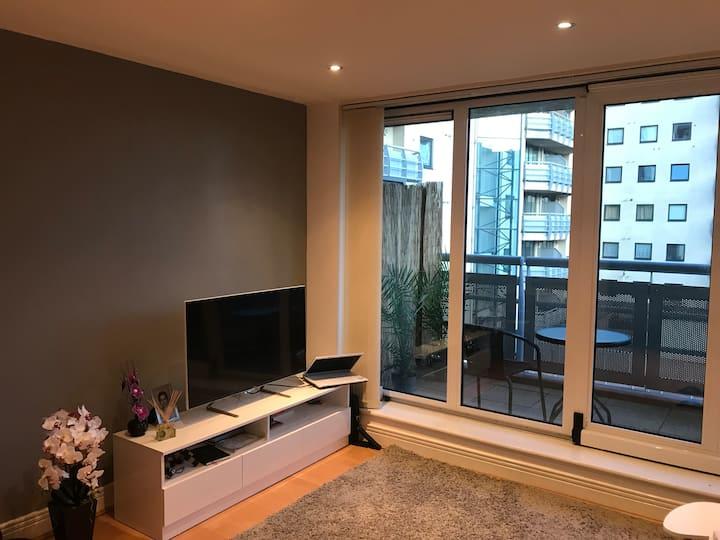 Great location / modern apartment