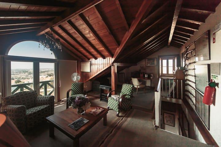 The Shepinetree House: Suite Pena - Quarto 7