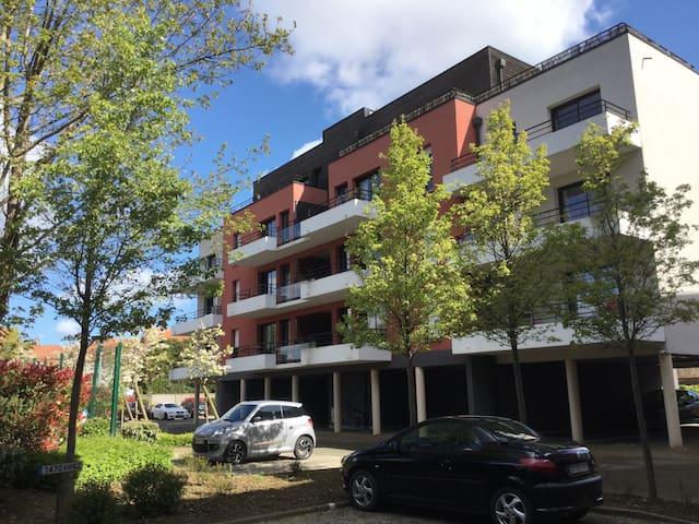 Appartement de standing et terrasse - Saint-Omer - Apartmen