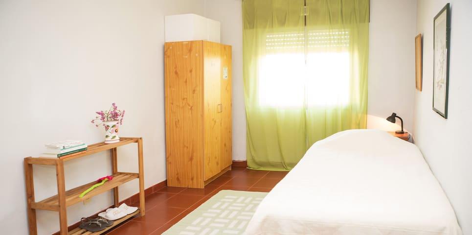 Quarto/Room em Aveiro - Aveiro