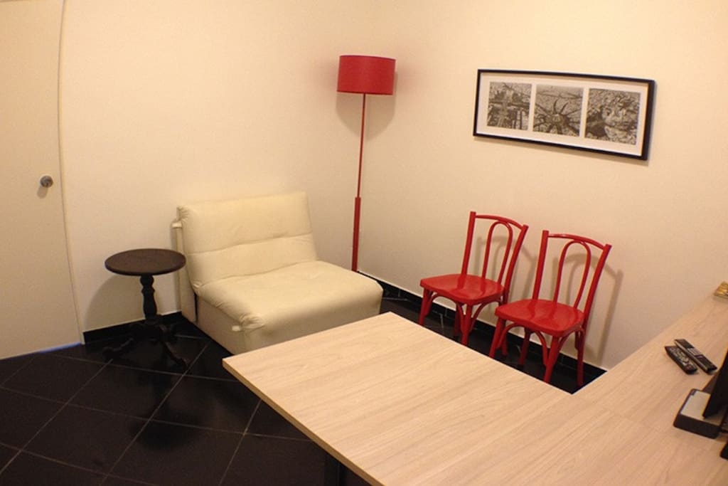 Living room/ Sala de estar