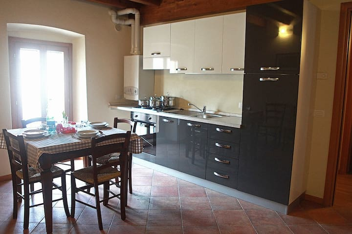 Castellaro Apartment #4 @ Corte Rosa: 6 places - Cavriana - Appartement
