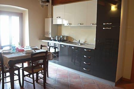 Appartamento Castellaro 4: Trilocale 6 posti letto - Cavriana