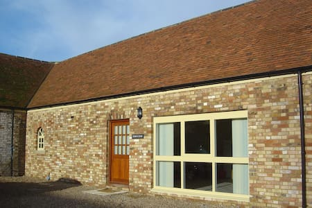 One bedroom barn conversion - Town End - Ivinghoe