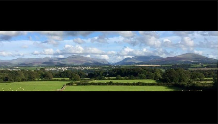 Farm house with amazing views - Isle of Anglesey - House