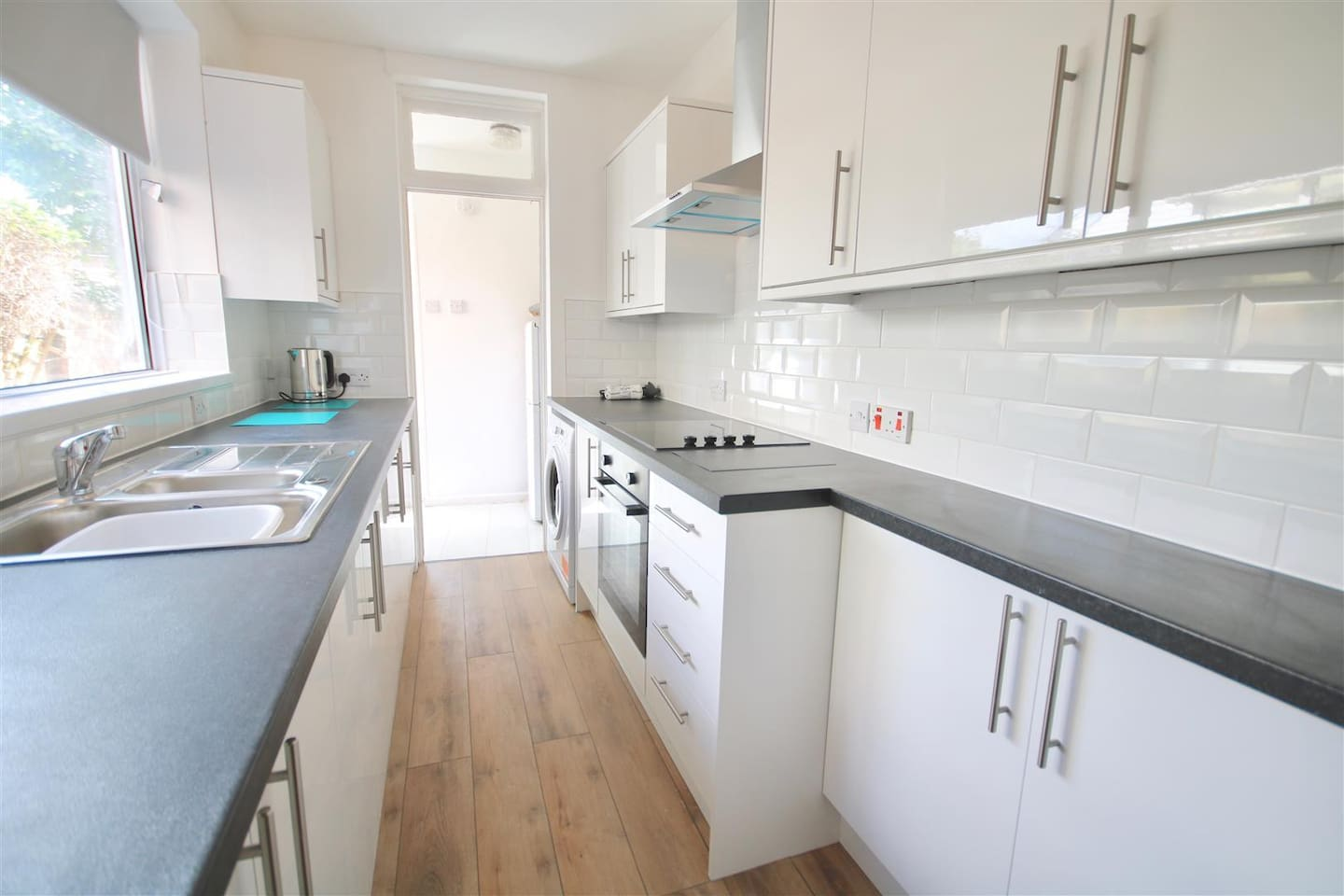Brand New Immaculate Kitchen